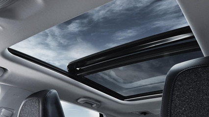 /image/90/4/peugeot-new-5008-suv-roof-gallery.209904.jpg